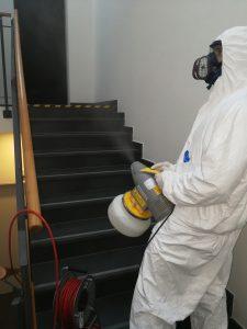 Dezinfekce pracovnikem ZZGROUP.CZ